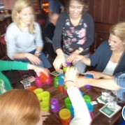 6) Minute to Win It! Indoor *  (Eigen locatie)