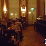8) Pub Quiz   (Eigen locatie)