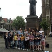 10) Wie is de Rat?  Delft