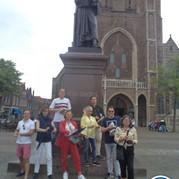 2) Wie is de Rat?  Delft