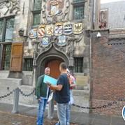 23) Wie is de Rat?  Delft